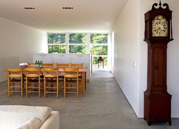 Modern Dining Room by Peacock Builders