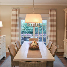 Traditional Dining Room by Dwellings