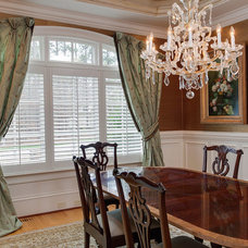 Traditional Dining Room by db Designs