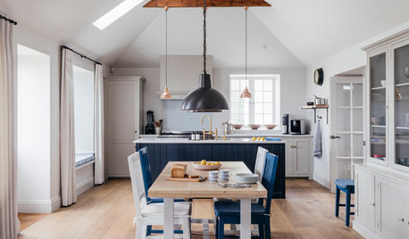 Houzz Tour: A Family's Coastal Cottage Made Light and Open