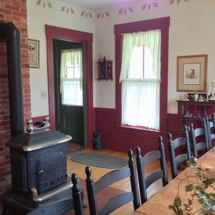 Country dining room photo in Manchester