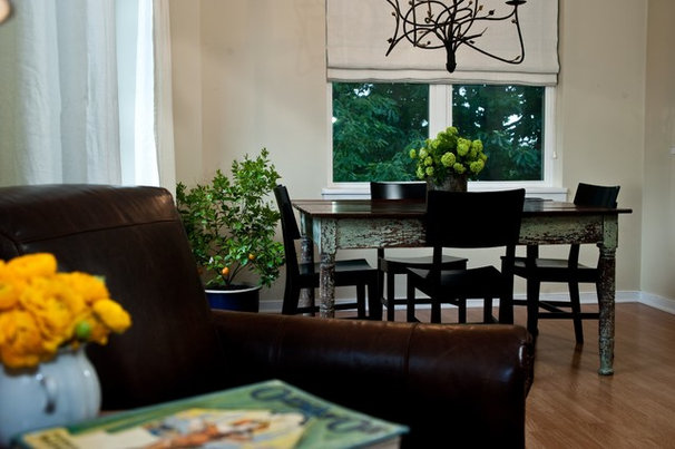 Traditional Dining Room by M House Designs