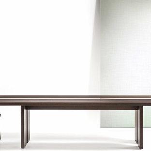 Foto de comedor minimalista, grande, abierto, sin chimenea, con paredes blancas, suelo de cemento y suelo blanco