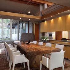 Modern Dining Room by Robert Bailey Interiors