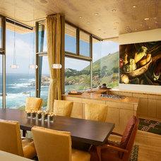 Contemporary Dining Room by Studio Schicketanz