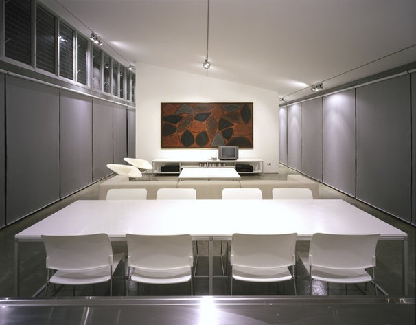 Modern Dining Room by Ian Moore Architects
