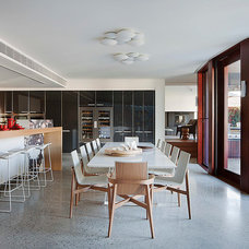 Contemporary Dining Room by bg architecture