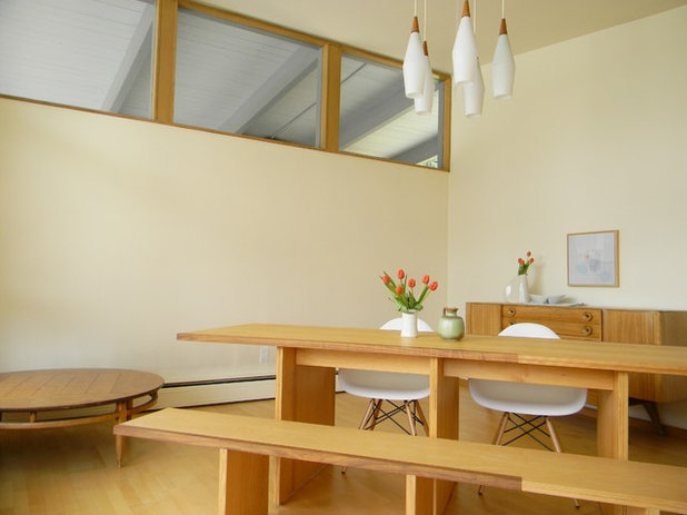 Midcentury Dining Room by Kimberley Bryan