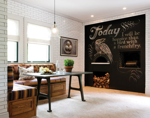 Rustikal Esszimmer by Crown Point Cabinetry