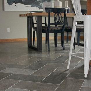 Idée de décoration pour une salle à manger tradition de taille moyenne avec un mur gris, un sol en vinyl, aucune cheminée et un sol gris.