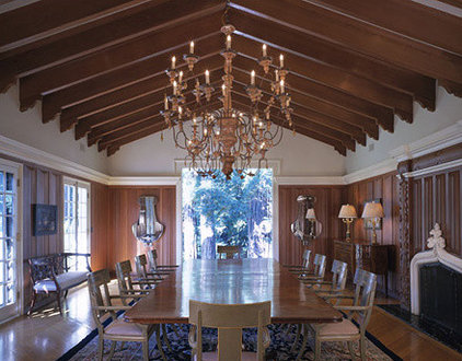 Traditional Dining Room by RYAN ASSOCIATES GENERAL CONTRACTORS