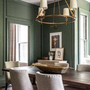 Idéer för att renovera en vintage separat matplats, med gröna väggar, mörkt trägolv och brunt golv