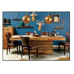 Diseño de comedor de cocina bohemio con paredes azules