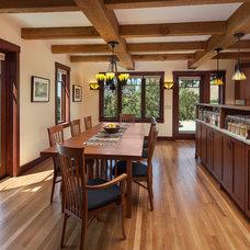 Craftsman Dining Room by Giffin & Crane General Contractors, Inc.