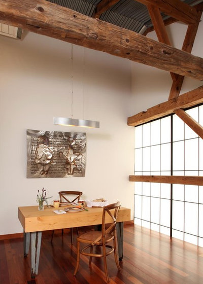 Farmhouse Dining Room by Studio Carver Architects, Inc.
