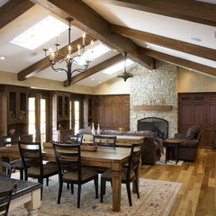 traditional dining room by Conrado - Home Builders