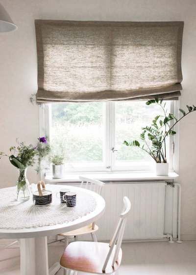 Contemporary Dining Room by Ada & Ina - Natural Curtain and Upholstery Fabrics