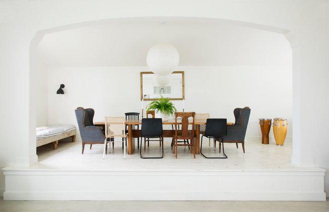 Farmhouse Dining Room by G Family, Inc.