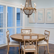 Tropical Dining Room by RTG CONSTRUCTION INC