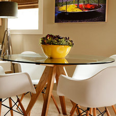 Beach Style Dining Room by Garrison Hullinger Interior Design Inc.