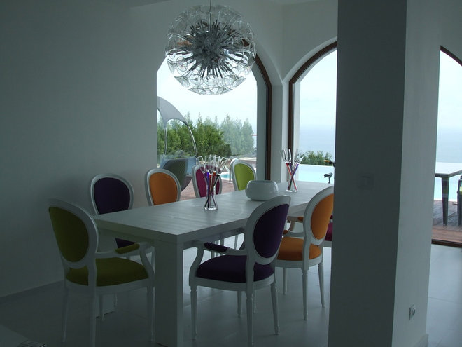 Modern Dining Room by Angel Mangarakov