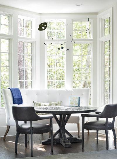Di transizione Sala da Pranzo by The Design Atelier