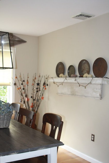 Traditional Dining Room by Barbara