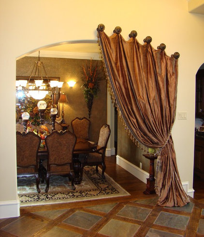 Traditional Dining Room by Bellissimo Interiors