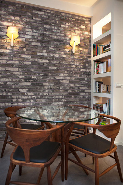 Contemporary Dining Room by dana shaked