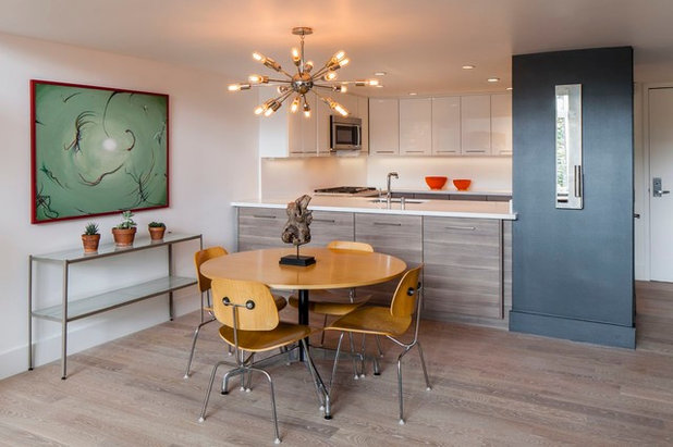 Modern Dining Room by PHASE2 BUILDERS INC.