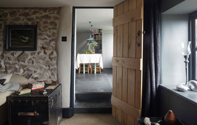 Houzz Tour: Simplicity a Virtue in an English Country Cottage