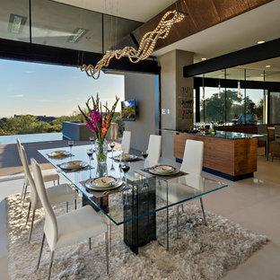 Ispirazione per una sala da pranzo aperta verso il soggiorno moderna di medie dimensioni con pareti grigie, pavimento con piastrelle in ceramica e nessun camino