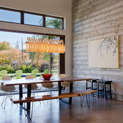 modern dining room by Elevation Architects
