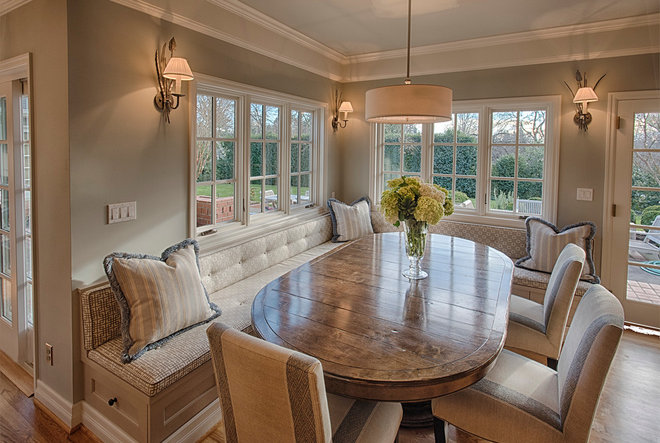 Traditional Dining Room by Ann McCulloch Studio