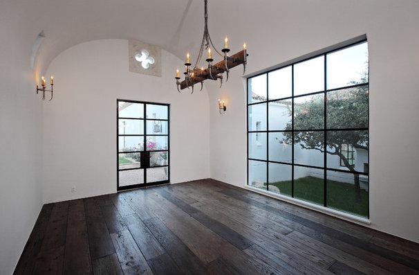 Dining Room by Hugh Jefferson Randolph Architects