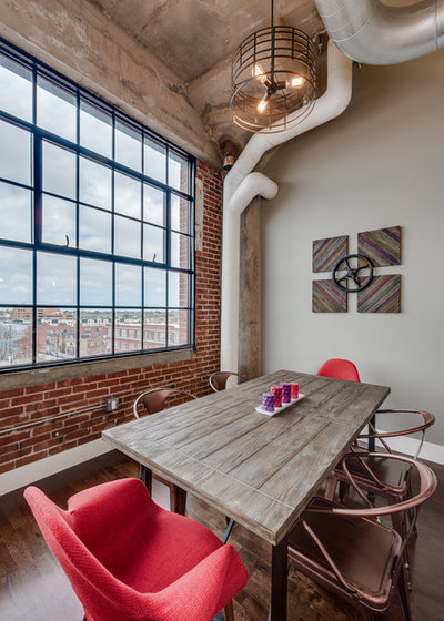 Industrial Dining Room by Real Fine Place, LLC