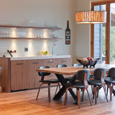 Contemporary Dining Room by Stuart Wood Joinery
