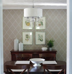 traditional dining room by Heather Freeman