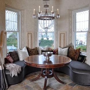 Idee per una sala da pranzo classica con pavimento in ardesia