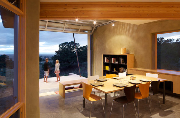 Contemporary Dining Room by Gettliffe Architecture