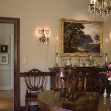 Traditional Dining Room by Penza Bailey Architects