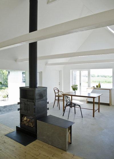Scandinavian Dining Room by LASC Studio