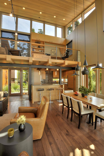 Contemporary Dining Room by David Vandervort Architects