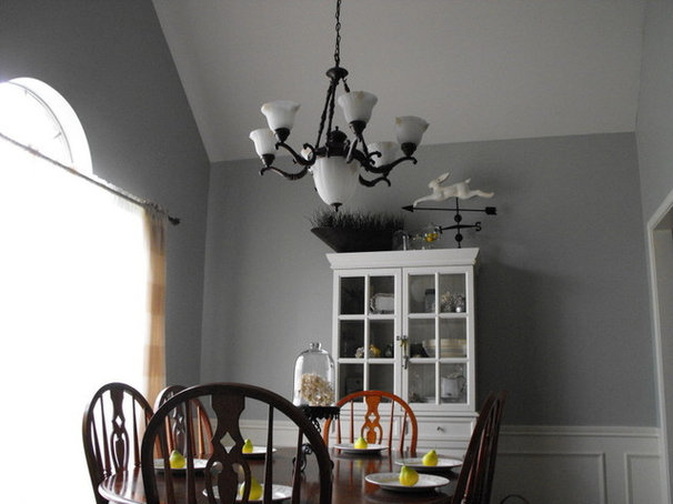 Traditional Dining Room by Susie Harris