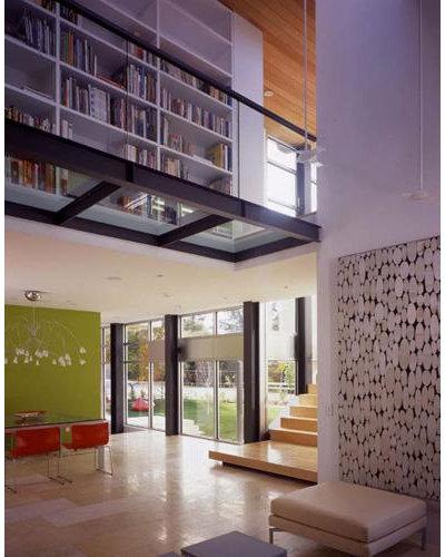 Modern Dining Room by Swatt Architects