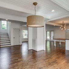 Farmhouse Dining Room by Marilyn Kimberly, Interior Designer