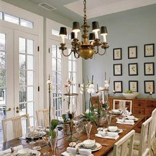 Traditional Dining Room Table and Chairs