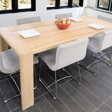 Contemporary Dining Room by Gepetto