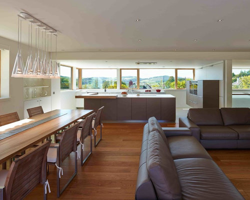 Inspiration For A Contemporary Dining Room Remodel In Glasgow