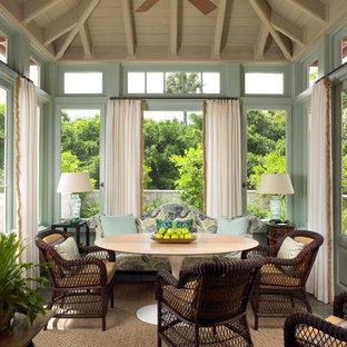Inspiration för en tropisk matplats, med blå väggar
